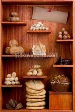 Изработка на дървени стелажи за хранителни магазини