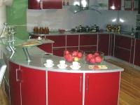 Просторна ъглова кухня по поръчка