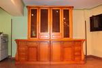 стъклени дървени витрини за кухня