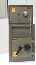Метален сейф с шифър за обменно бюро