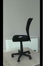 черни евтини офис столове  за счетоводни фирми