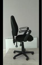 черни евтини офис столове  за офис сгради