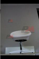 качествено изпълнение на офис столове в бял цвят